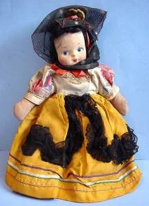 Vintage Mollyes or Georgene type Spanish girl full