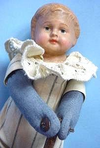 push up doll close